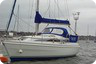 Hunter 323 Channel -